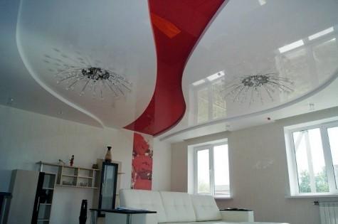 Французский натяжной потолок красно-белый