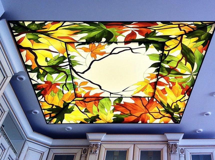 Художественный натяжной потолок осень