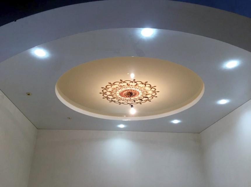Художественный натяжной потолок круги