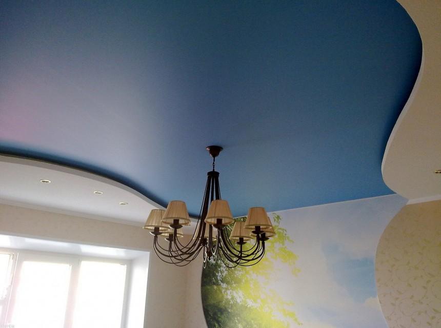 Матовый натяжной потолок в детскую