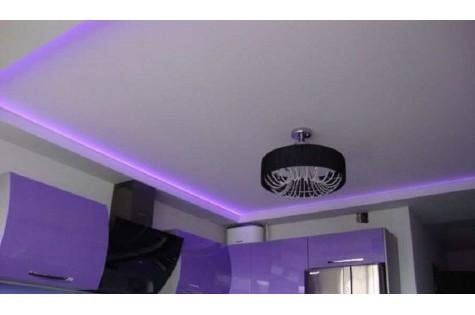 Матовый натяжной потолок на кухню