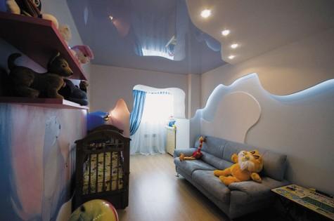 Натяжной потолок в детскую глянцевый