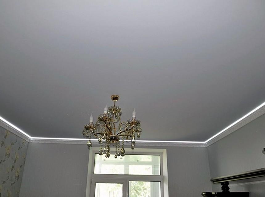 Тканевый натяжной потолок в спальню