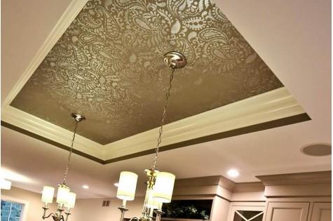 Тканевый натяжной потолок с узором